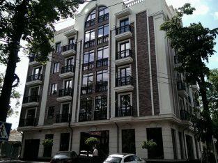 Сдается квартира в доме комфорт класса в самом центре Кишинева. 112 кв.м.