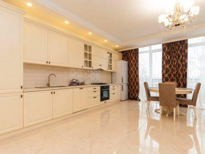 Сдается квартира в доме комфорт класса в центре Кишинева. 119 кв. м.