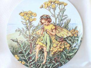 Vând porțelan, decorativ, farfurii englezești cu flori și zâne.