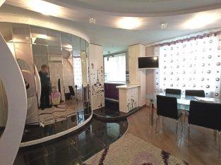 Se vinde apartament cu 3 camere, Centru, 67m2, renovare
