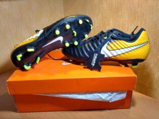 Cizme de fotbal Nike Tiempo de vânzare!