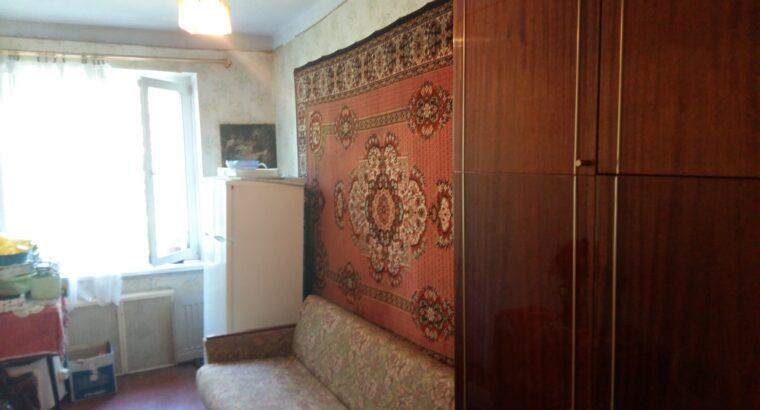 Продам трехкомнатную квартиру на 6 квартале