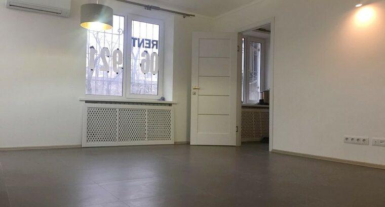 Сдается 2-комнатная квартира в центре Кишинева