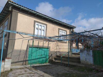 Продается дом в Чадыр-Лунге. Цена договорная!