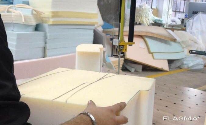 Cuțit cu bandă pentru tăierea textilelor și țesăturilor