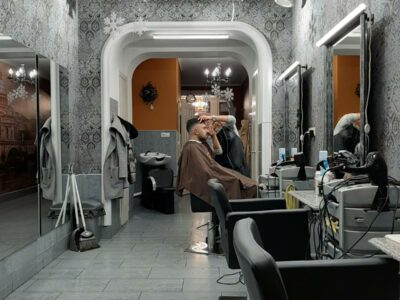 Требуется парикмахер широкого профиля